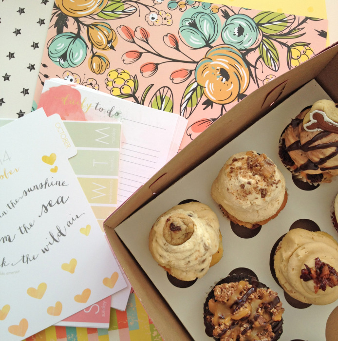 cupcakes and pretty paper